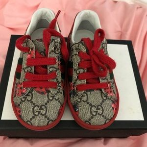 7dcdf1a66f1 Gucci Shoes - Toddler Gucci ladybug shoes